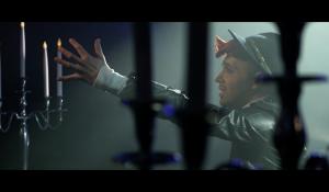 Clip : « All by myself » – Bruno Moneroe