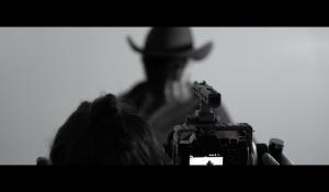 Clip : « Million Reasons » – Bruno Moneroe